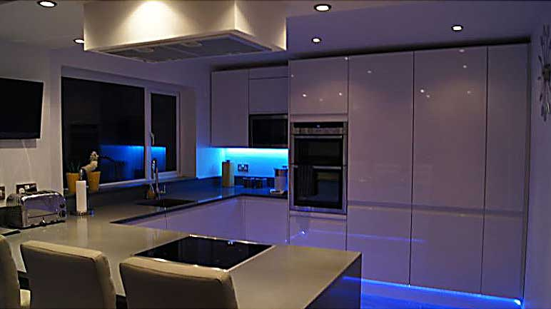 Mood Lighting Using M LED Strip Lights Visualchillout - Led tube lights for kitchen ceiling